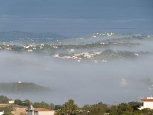 Ochtendnevel boven Algarve