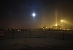 Halozuilen bij de maan en bij lichtmasten